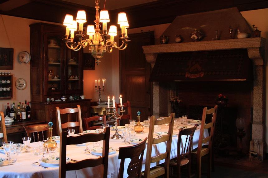 table d 39 h tes chateau de vaulx en auvergne chambres d 39 hotes table d 39 h tes bed and. Black Bedroom Furniture Sets. Home Design Ideas