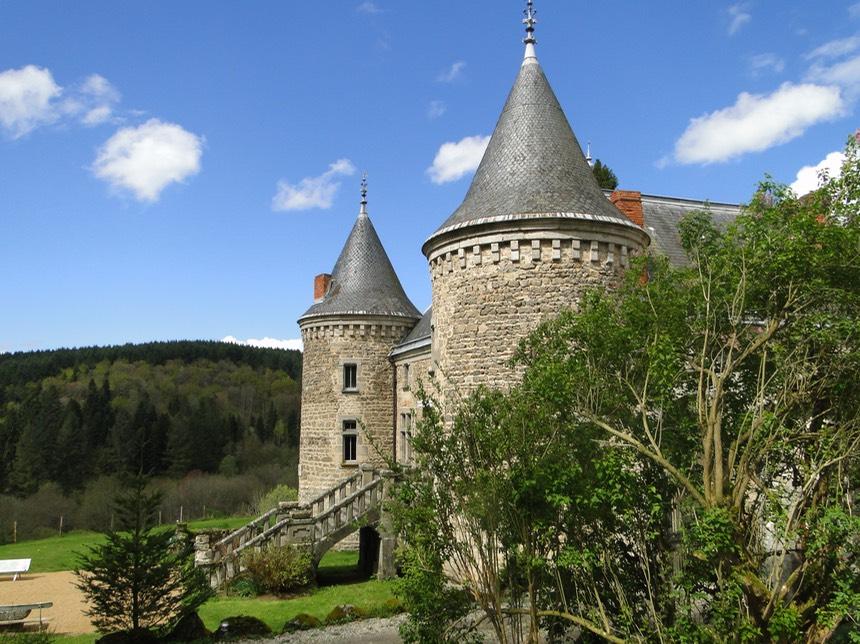 Chateau de vaulx en auvergne puy de d me chateau de for Chambre d hote auvergne